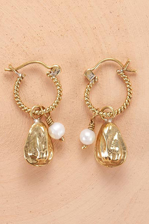 Pearl-and-Oyster-Earrings-Gold-The-Nomad-Collective