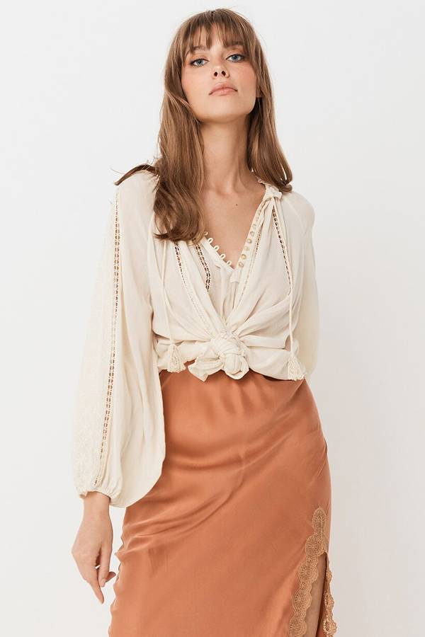 spell-and-the-gypsy-loves-me-not-blouse-5