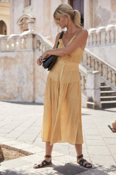 auguste-the-label-brooks-midi-skirt-golden-sand-1