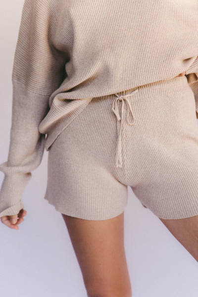 the-lullaby-club-alex-knit-shorts-sand-1